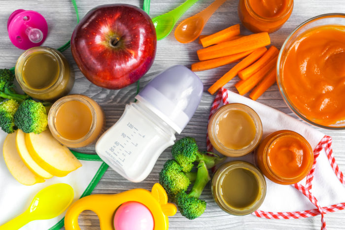Rozszerzanie diety – CO i KIEDY podać dziecku